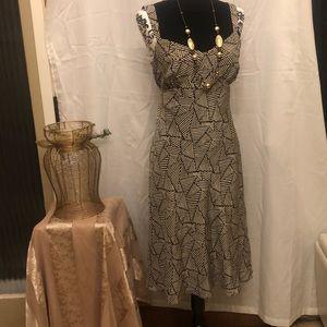 ANN TAYLOR - dress- striped- Size 6.  NWT